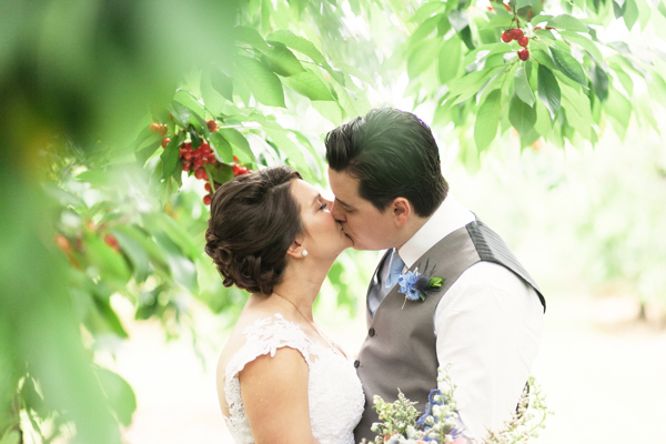 Kurtz Orchards Bride Groom Couple