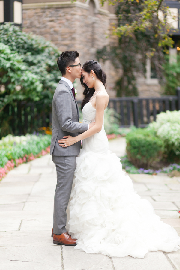Old Mill Toronto Garden Bride Groom Wedding Photos