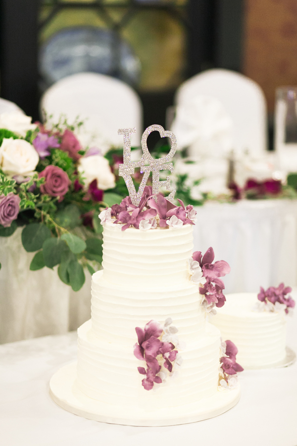 Old Mill Toronto Wedding Cake